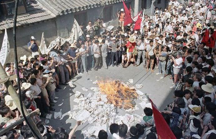 Nu se va uita niciodata! S-au implinit 25 de ani de la MASACRUL DIN PIATA TIANANMEN! FOTO + VIDEO8