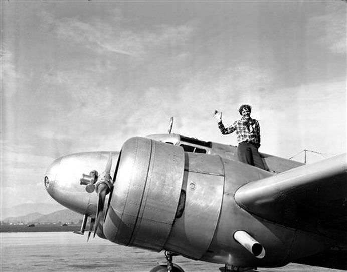TOP 5 Disparitii inexplicabile de avioane din istorie!