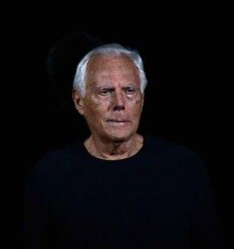 Celebrul Giorgio Armani a implinit 80 de ani! Vezi povestea designer-ului! VIDEO