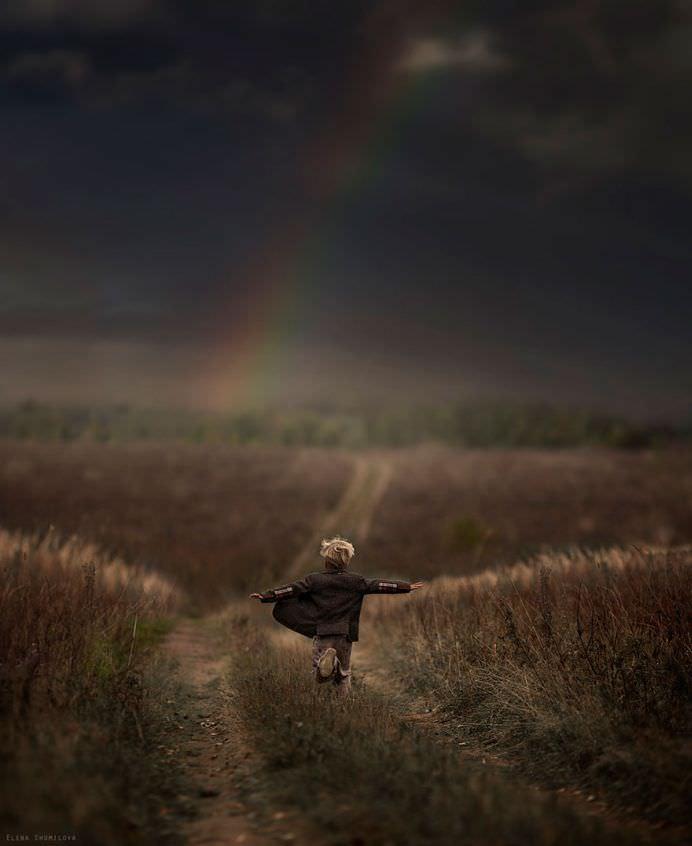 FOTOGRAFII MAGICE din diferite colturi ale lumii care arata BUCURIA de a fi copil! ROMANIA se afla in acest top! 20