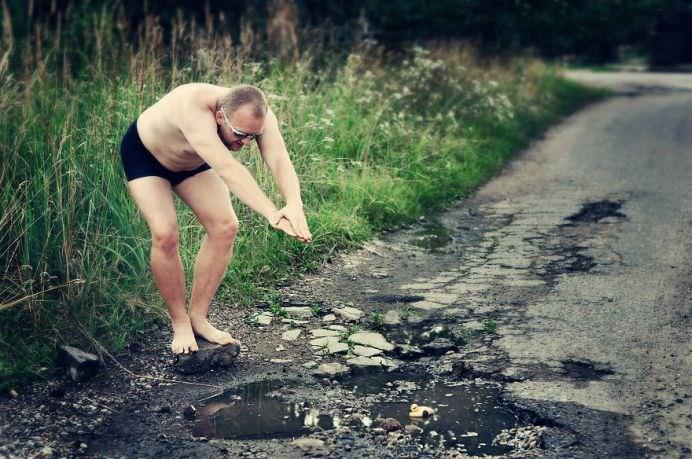METODA GENIALA prin care sa faci GUVERNUL PONTA sa-ti repare GROPILE din asfalt!18